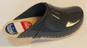 Holland Traditionals clogs grey patent