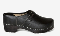NEW!!  Strovels quality clogs 502 black